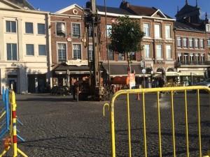 Boringen op de Grote Markt.